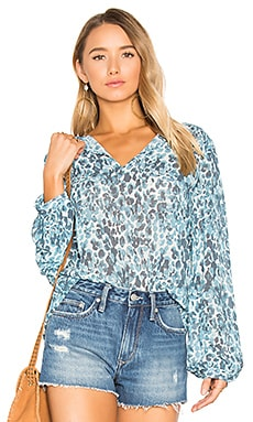 x REVOLVE Seymore Blouse en Watercolor