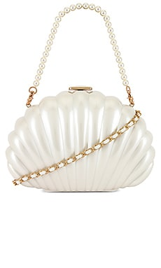 x REVOLVE Clam Shell Clutch House of Harlow 1960 $188