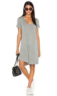 V-Neck Pocket Tee Dress en Gris Clair Chiné
