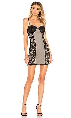 Облегающее кружевное платье gracie - h:ours