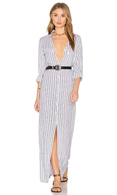 Rokaway Printed Button Up Maxi Dress en White Nobel