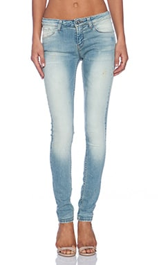IRO . JEANS Zeitna Skinny in Light Denim