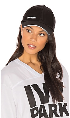 Logo Baseball Cap en Black with White Logo