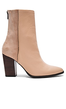 Batte Boot in Nude