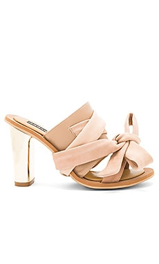 Caos Metal Heel in Nude