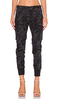 James Jeans Boyfriend Cargo en Shadow Combat
