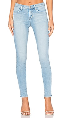 J Brand 620 Mid Rise Super Skinny in Beach Line
