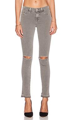 J Brand Mid Rise Skinny in Silver Fox