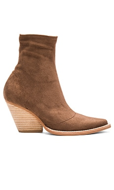Walton Booties en Brown Suede