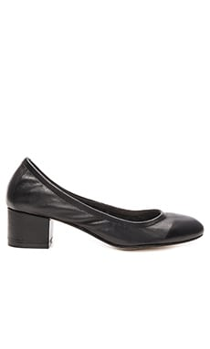 Bitsie 2 Heel in Black Leather