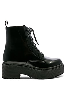 САПОГИ DISTRICT Jeffrey Campbell $135