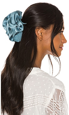 Ruffle Barrette Jennifer Behr $41 (SOLDES ULTIMES) Collections