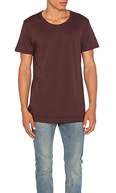 Mercer Tee in Maroon
