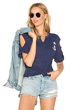 Exposed Patch Tee en Marine