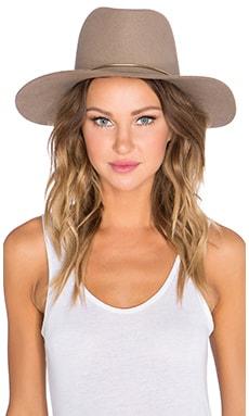 Lassen Hat en Amande