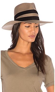 Un Hat
