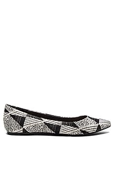 Joe's Jeans Kitty VI Flat in White & Black