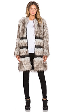 Emma Faux Fur Coat en Silver Fox