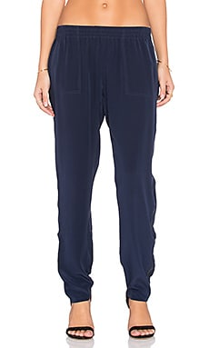 Joie Julietta C Pant in Dark Navy & Caviar