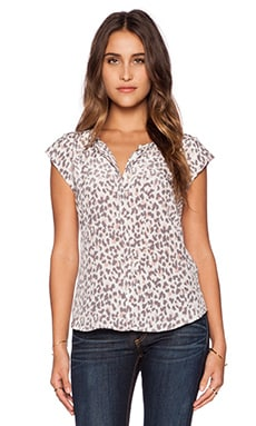 Joie Iva Top in Soft Sand