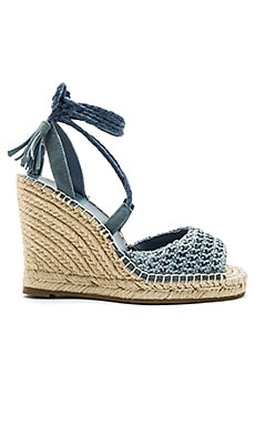 Kacy Wedge in Skylark Raffia
