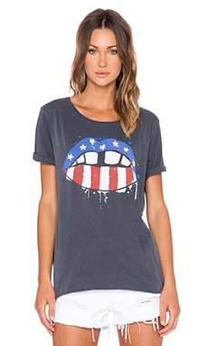 Junk Food American Lips Tee in Jet Black