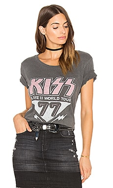 Kiss Tee in Jet Black