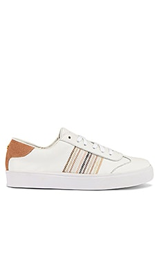 SNEAKERS PRAGUE Kaanas $98