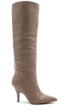 BOTTINES CALA KENDALL + KYLIE $137