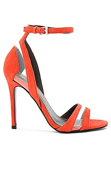 Goldie Heel in Bright Coral