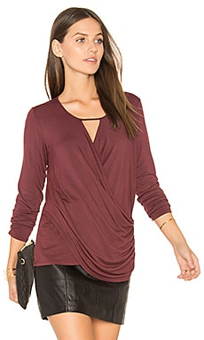 Ruched Surplice Top en Framboise