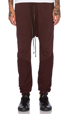 knomadik by Daniel Patrick Roaming Jogger in Burgundy