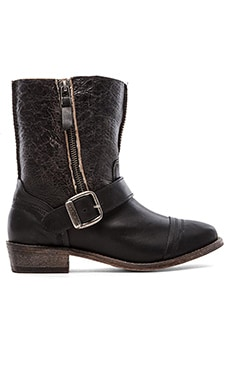Koolaburra Duarte Boot with Fur in Black