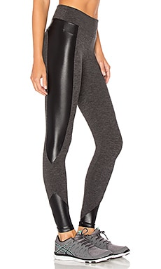 LEGGINGS RECORTADOS CURVE