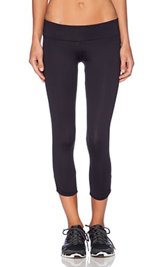 Vitality Capri in Black