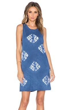 LACAUSA Habit T Dress in Skipping Stones Astral Blue