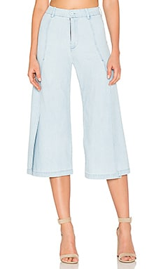 Flora Pants in Lightwash Denim