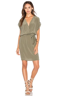 Maya Dress en Dusty Olive