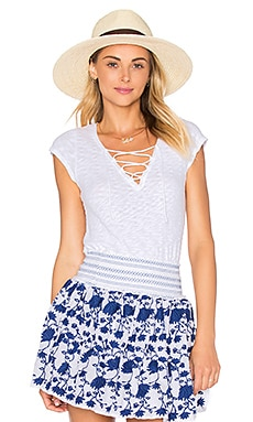 Olivia Lace Up Top en Blanc