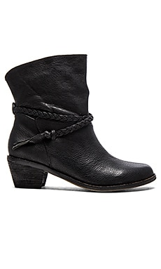 Latigo Dosha Boot in Black