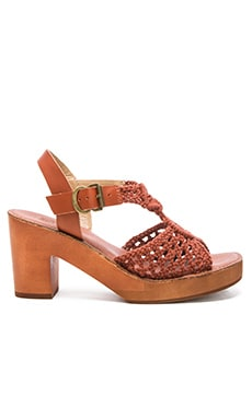 Latigo Ikat Sandal in Rust