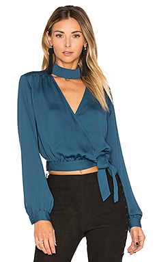 The High Collar Wrap en Azul Cerceta