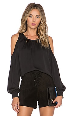 The Shoulder Blouse en Noir