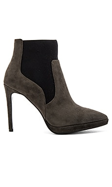 Lola Cruz Cameron Bootie in Anthracite