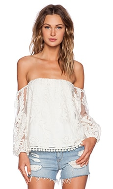 Line & Dot Aura Flutter Top in Cream