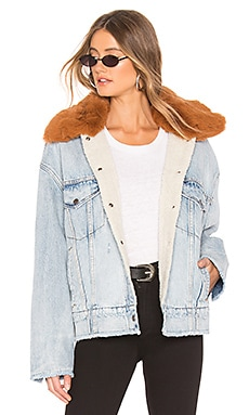 Oversized Sherpa Trucker Jacket LEVI'S $168 BEST SELLER