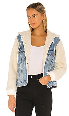 Ex-Boyfriend Sherpa Sleeve Trucker LEVI'S $148 BEST SELLER