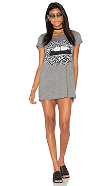 Lana Mini T-Shirt Dress en Gris Chiné