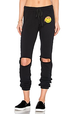Sherri Happy Hippie Patch Sweatpant em Preto