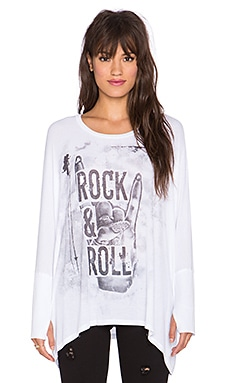 Lauren Moshi Dia Rock & Roll Hand Draped Thumbhole Top in White